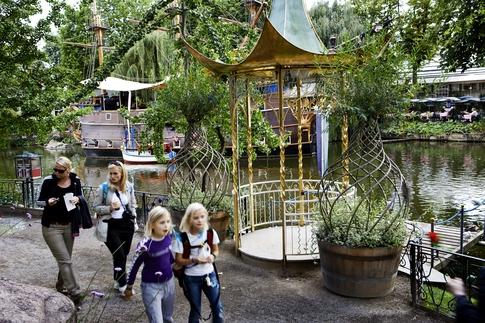 Freizeitpark, Vergnügungspark, Fahrgeschäft, Achterbahn, Karussell